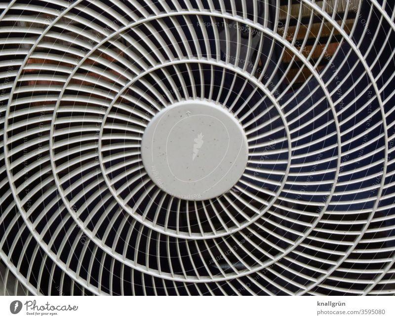 Rundes Schutzgitter einer Klimaanlage Technik & Technologie Elektrisches Gerät Gitter Sicherheit rund Strukturen & Formen Kunststoff Nahaufnahme Kreis Muster
