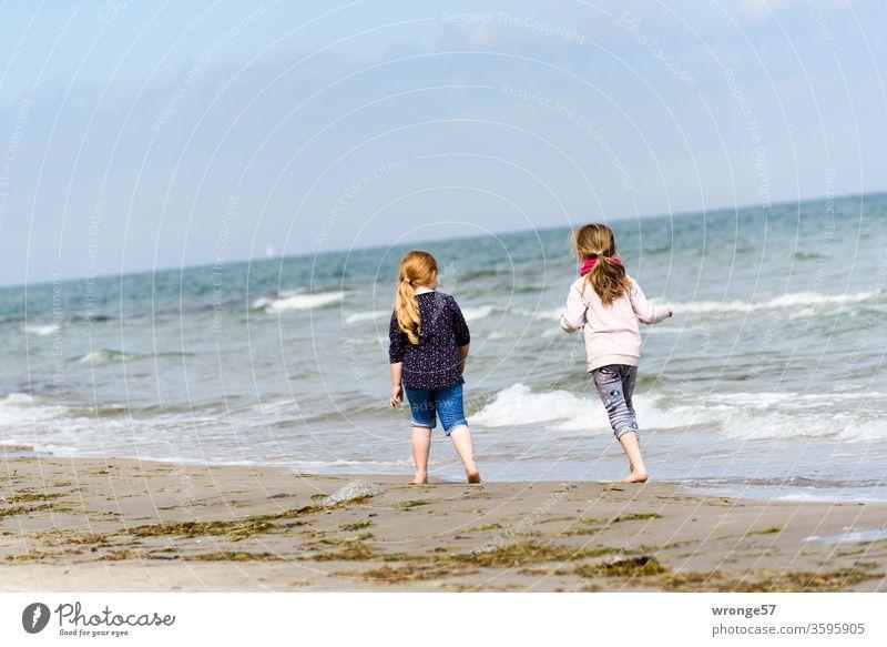 Lieblingsmensch(en) | Urlaub mit den Enkeln Thementag Enkelkinder Enkelin gemeinsam gemeinsam erleben zusammen Zusammensein Ostsee Ostseestrand Sandstrand