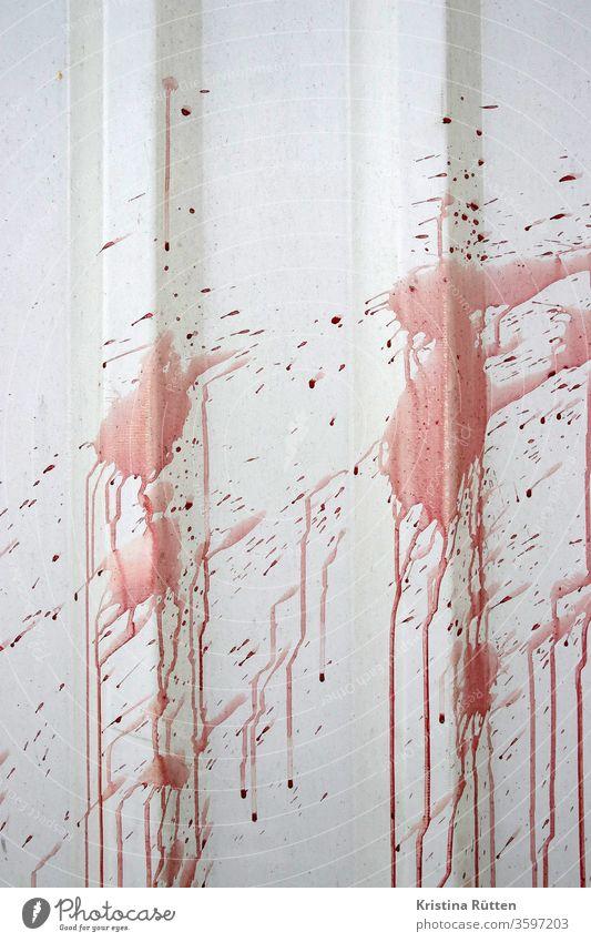 rote farbspritzer farbe fleck flecken klecks kleckse farbkleckse flüssigkeit wand verschmutzt schmutzig geplatzt gespritzt explodiert verschüttet farbspur