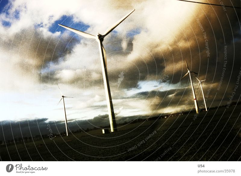 morgenstund Elektrizität Windkraftanlage Wolken Sonnenaufgang Energiewirtschaft Himmel Kraft