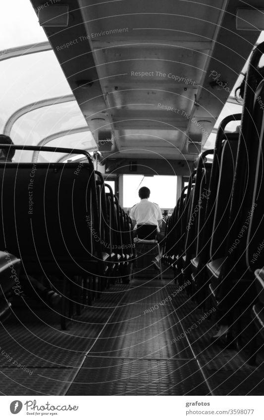 The-Any-Way Schiff Blick schwarz-weiß Einbildung Chauffeur Bus mystisch Nirgendwo Sitz Sitze Rassismus Gang aus Straßenbahn Zug fremdartig im unteren Stockwerk