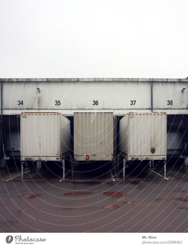 Tor 34 - 38 Container transport logistik Güterverkehr & Logistik Spedition Transport Versand Chassis Industrie Lagerhalle Handel Warenlager Ziffern & Zahlen