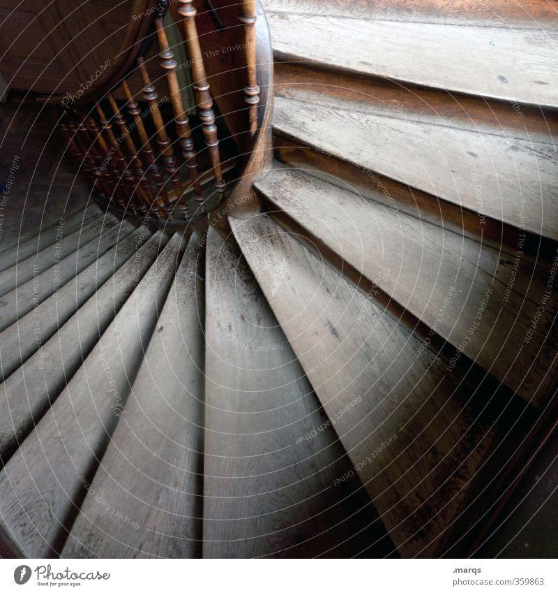 pe Häusliches Leben Innenarchitektur Karriere Treppe Treppenhaus Treppengeländer alt Beginn Perspektive ästhetisch Farbfoto Innenaufnahme Menschenleer Licht
