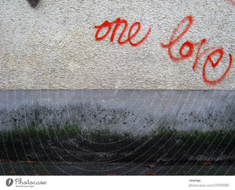 one love Graffiti Typographie rot grau Wand Kommunikation Liebe Reggae dreckig trashig