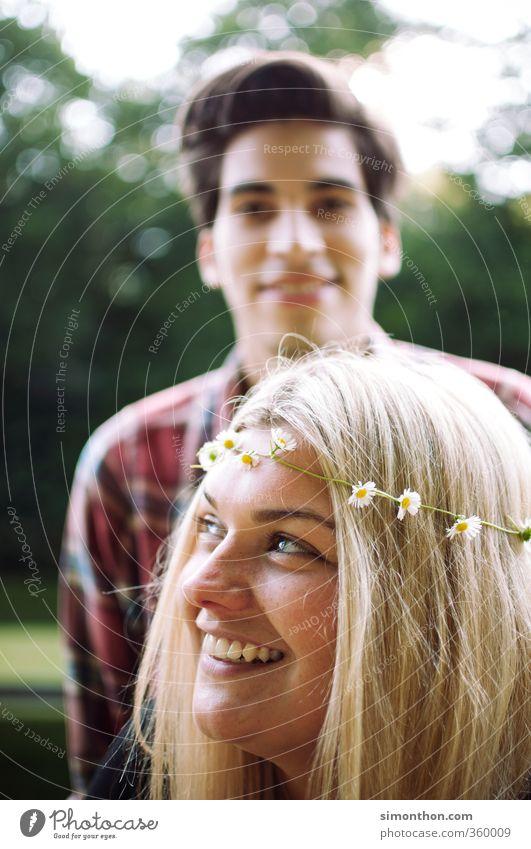 Pärchen Natur Jugendliche Ferien & Urlaub & Reisen schön Freude Erwachsene 18-30 Jahre Liebe Leben feminin Zeit Paar Party träumen Freundschaft Familie & Verwandtschaft
