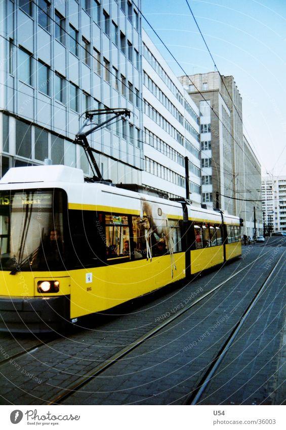 Just Berlin.. Himmel Sonne Haus Berlin Bewegung Verkehr Mobilität Straßenbahn