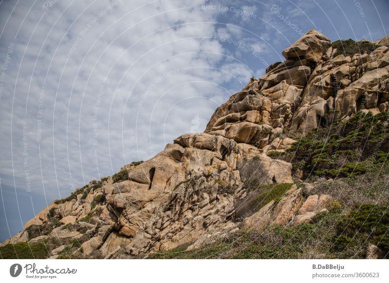 Capo Testa –Sardinien - bizarr geformt beeindruckende Granitfelsen im Valle di Luna. Das Paradies für die 68er….. Mittelmeer Europa Strukturen & Formen grau
