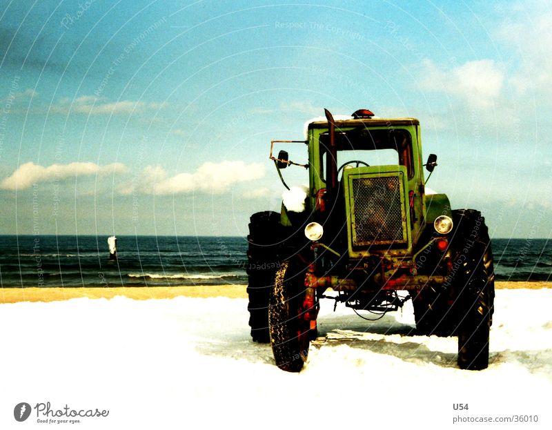 Zugkraft Himmel Wasser Sonne Winter Strand kalt Schnee Küste Verkehr Traktor