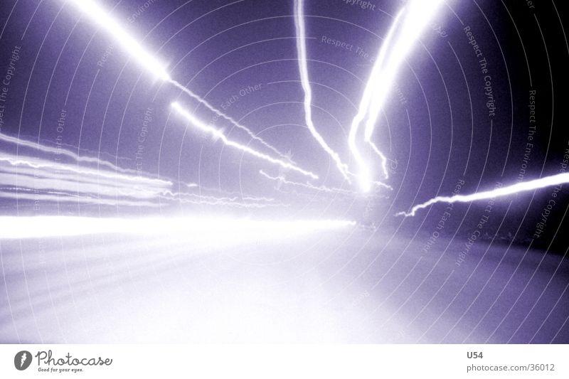 Warp 9 Lichtgeschwindigkeit Langzeitbelichtung Geschwindigkeit obskur Stern (Symbol) Weltall Rasen Schnee