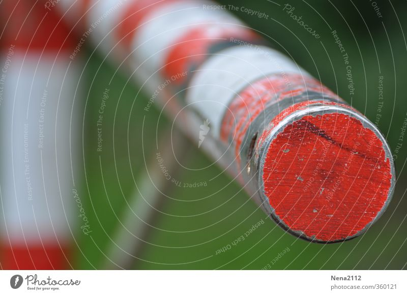 STOP weiß rot kalt Freiheit Metall Schilder & Markierungen geschlossen Sicherheit rund Schutz stoppen Grenze Barriere Verbote schließen Schranke