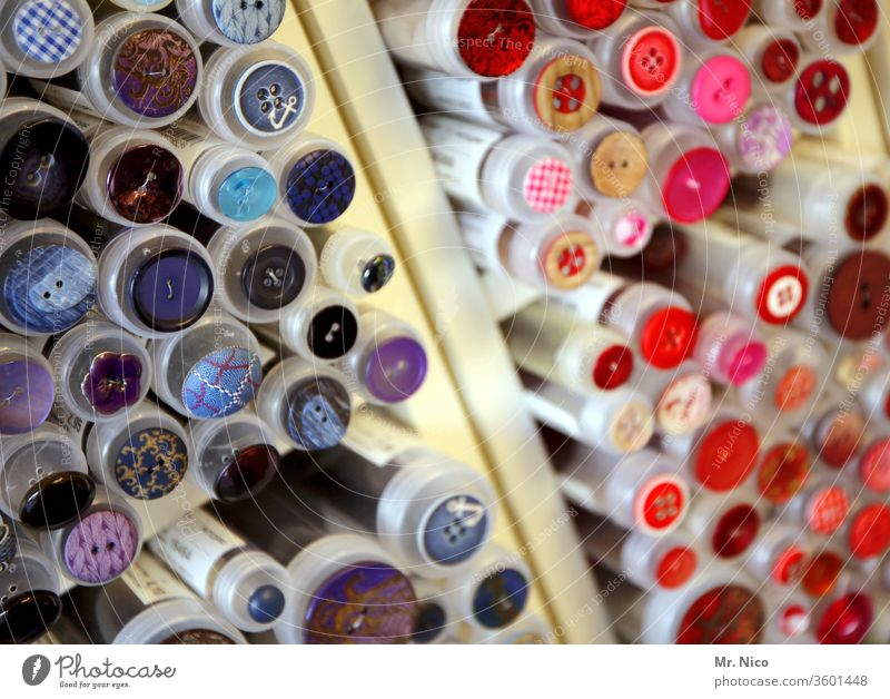 Kurzwarengeschäft Knöpfe Handarbeit Basteln Freizeit & Hobby Sammlung rund Mode Nähen Design Accessoire Arbeit & Erwerbstätigkeit rot rosa durcheinander