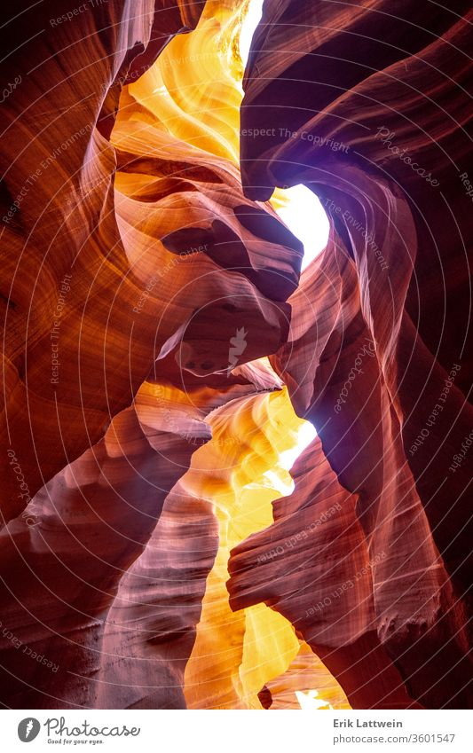 Antelope Canyon - erstaunliche Farben der Sandsteinfelsen Antilopen Arizona rot Utah abstrakt amerika Amerikaner Höhle wüst Landschaft Licht senken Natur navajo
