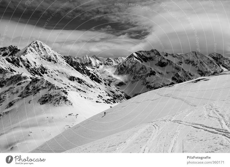 5h Freizeit & Hobby Skifahren Skitour Abenteuer Ferne Winter Schnee Winterurlaub Berge u. Gebirge Sport Wintersport 1 Mensch Umwelt Natur Felsen Alpen Gipfel