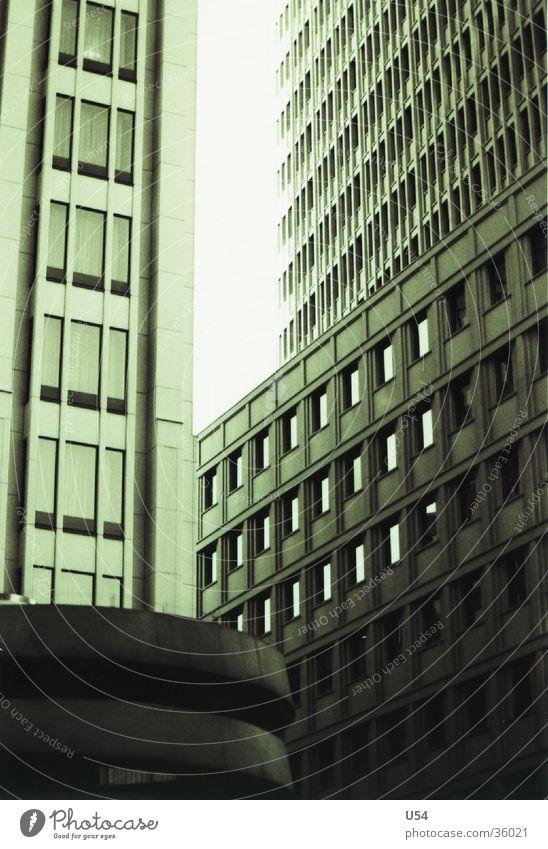 Schluchten Potsdamer Platz Haus Hotel Hochhaus Architektur Berlin