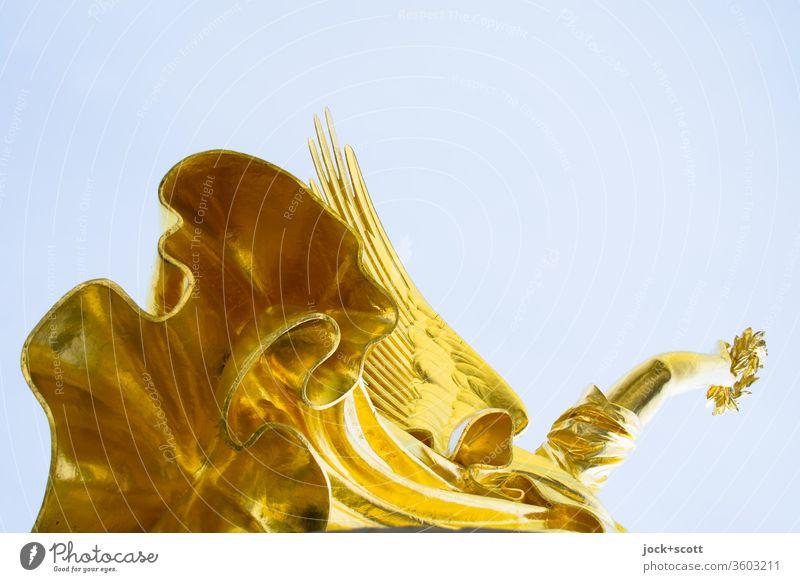 Alt | krönende Viktoria mit Flügel und Kranz Skulptur Sehenswürdigkeit Siegessäule Gold historisch Originalität Ehre Kunsthandwerk Stolz Qualität Goldelse