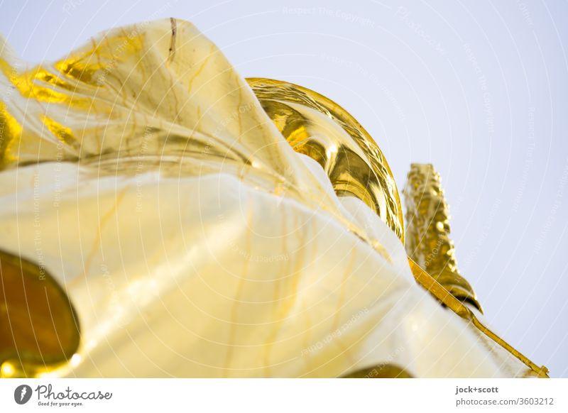 Alt | Gold einer krönenden Viktoria Skulptur Sehenswürdigkeit Siegessäule historisch oben Originalität feminin Kunsthandwerk Qualität Goldelse viktoria
