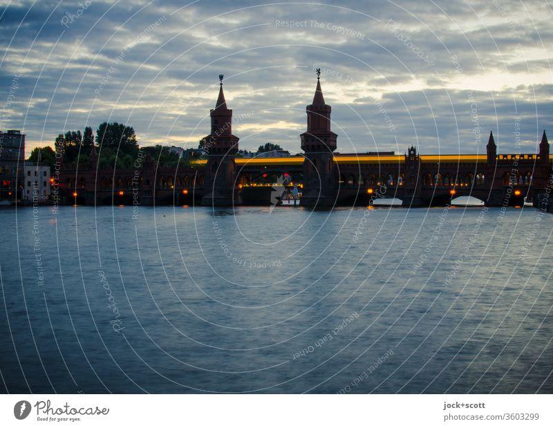 Gedanken und Einfälle wie Lichterspiele am dämmerten Tag Stimmung Abenddämmerung Panorama (Aussicht) Langzeitbelichtung Lichterscheinung Silhouette Inspiration