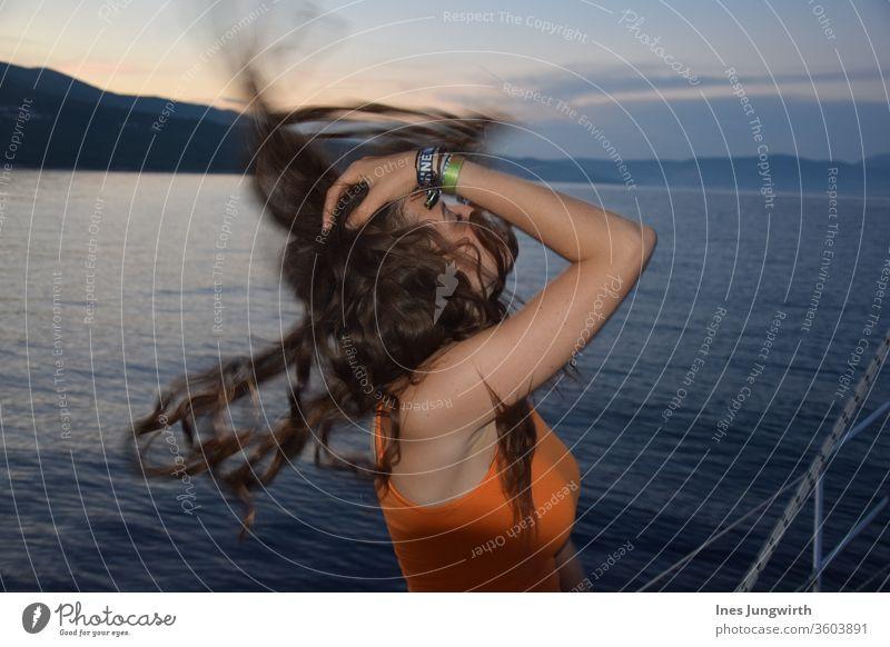 Haarwurfmoment haare im wind Haare Haare & Frisuren Kroatien Tourismus schön ruhig mediterran Horizont Außenaufnahme Aussicht Landschaft Menschenleer Bucht