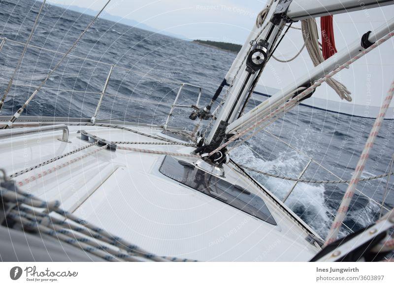 Segeln ist schräg Adria Familie Familienglück Familienausflug Urlauber Urlaubsgrüße Segelboot Urlaubsstimmung Urlaubsfoto Sommerurlaub sommerlich Farbfoto Tag