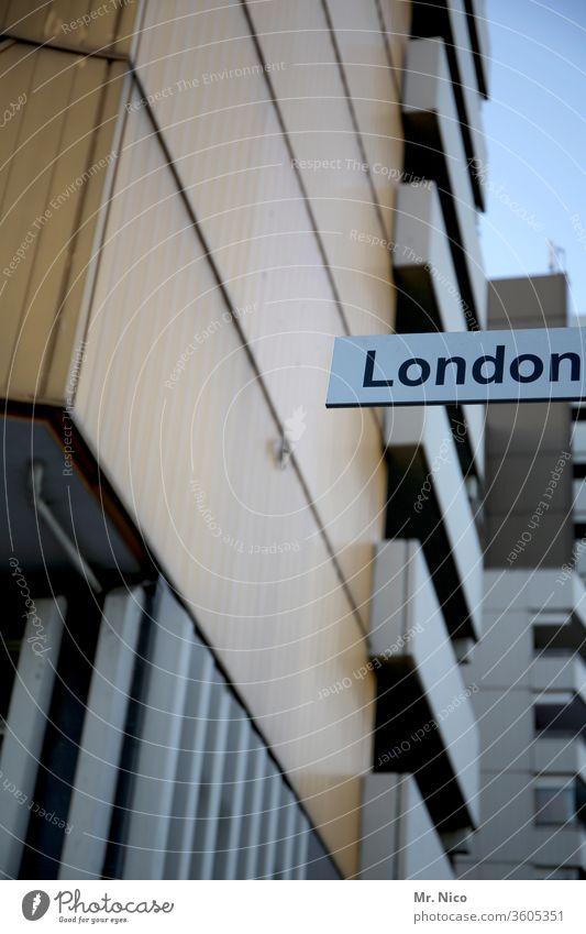 London in Köln Stadt Ferien & Urlaub & Reisen Hochhaus Fassade urban Architektur Großbritannien England Gebäude Stadtteil Plattenbau trist mehrstöckig
