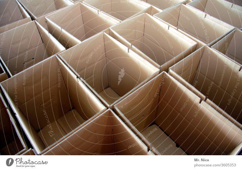 Pakete Pakete Pakete Karton Verpackung Schachtel braun leer Kartonage Kiste Lager care paket Versand Post Spedition senden liefern Verteilung Fracht Lagerhalle