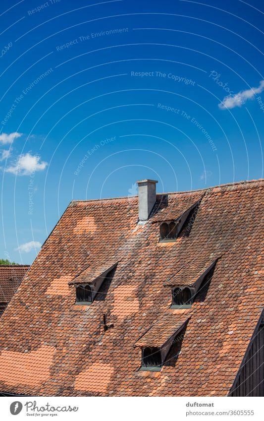 Dinkelsbühl, Blick über den Rothenburger Weiher Landschaft Dach Dachfenster ruhig Idylle Fachwerk Wolken Erholung Umwelt romantisch Städtchen idylisch wetter