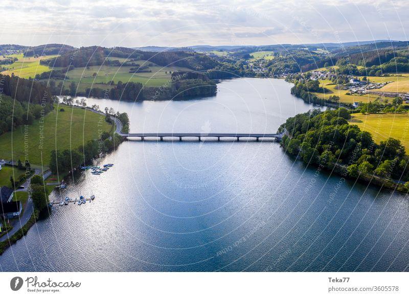 der grosse sauersee sauerland deutsch von oben bigge biggesee Biggesee Bigge-Damm Sauerland Deutschland Großer Damm Wasserstaudamm Trinkwasser-Staudamm