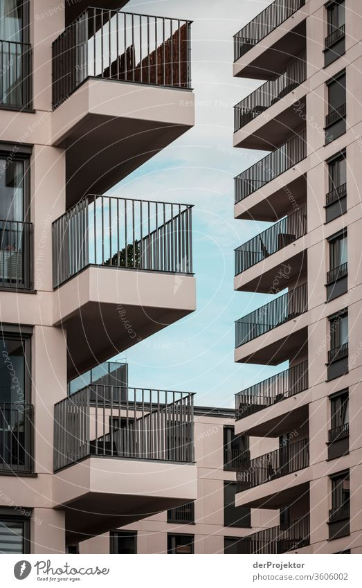 Abweisender Neubau in Berlin berlin berlinerwasser derProjektor dieprojektoren farys joerg farys ngo ngo-fotograf Zentralperspektive Starke Tiefenschärfe