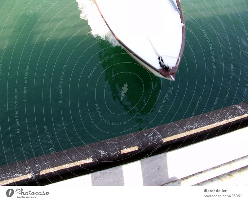 Speed Boot Wasser Geschwindigkeit Brücke Schifffahrt Schiffsbug Motorboot Vogelschau