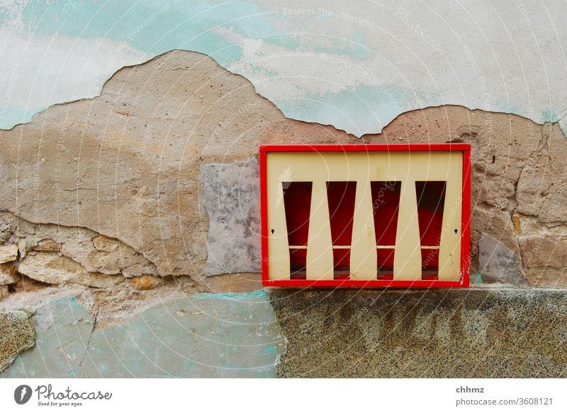 Das wars Wand Fassade Putz Putzfassade Automat Kaugummiautomat alt verfallen Nostalgie nostalgisch vergangen leer kaputt Vergänglichkeit Strukturen & Formen