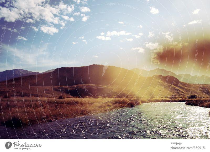 sommer in rohan. Landschaft Natur Neuseeland Südinsel Der Herr der Ringe sommerlich Sommer Fluss Berge u. Gebirge Gebirgsfluß Hügel Bergkuppe Unschärfe