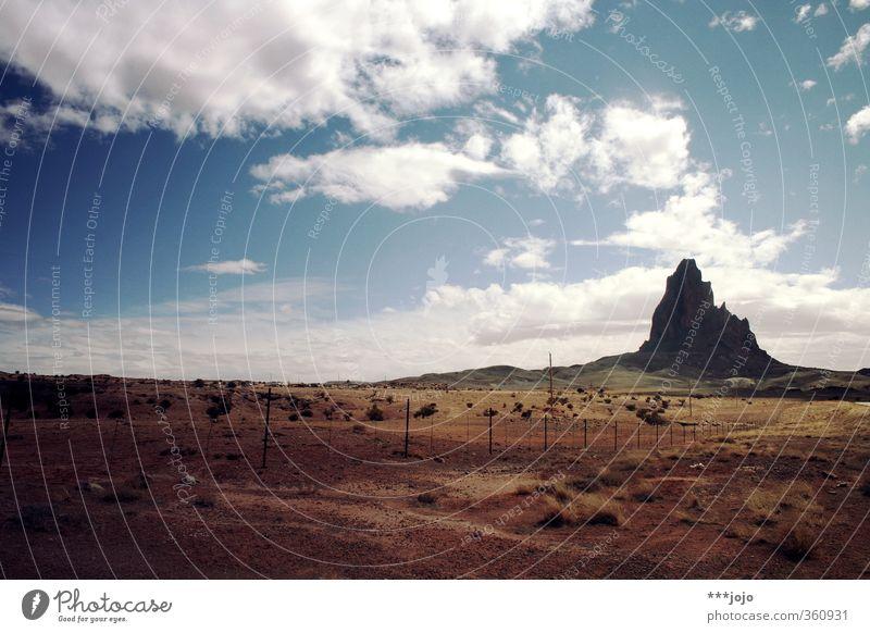 paramount. Himmel Natur Ferien & Urlaub & Reisen Sommer Landschaft Wolken Ferne Berge u. Gebirge Reisefotografie Freiheit Sand Felsen Horizont Hügel USA Wüste