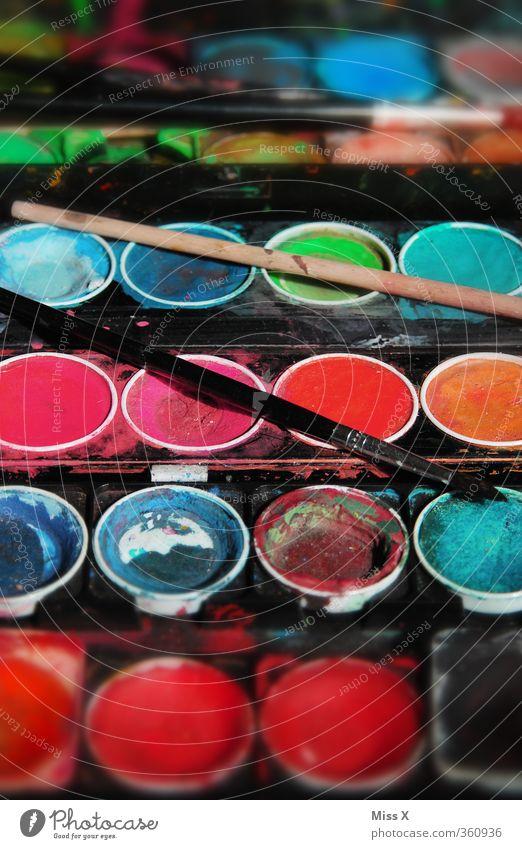 bunt Farbe Farbstoff Spielen Kunst Kindheit Freizeit & Hobby malen Kreativität Pinsel Basteln Farbenspiel Aquarell Malutensilien Farbkasten regenbogenfarben