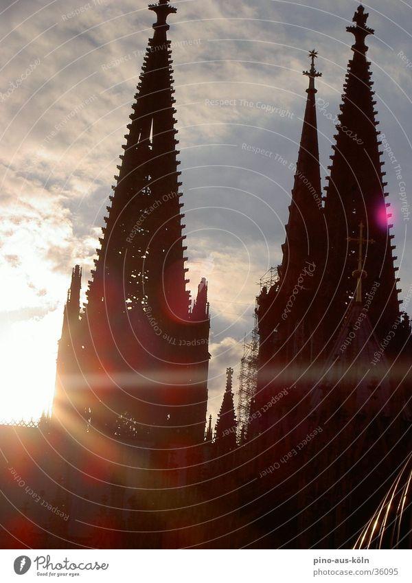Kölner Dom Sonne Gebäude Architektur Gotik Gotteshäuser