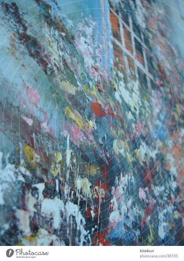 Farbkleckse oder Kunst? Blume Freude Haus Fenster Wand Kunst Bild Kitsch obskur Farbfleck
