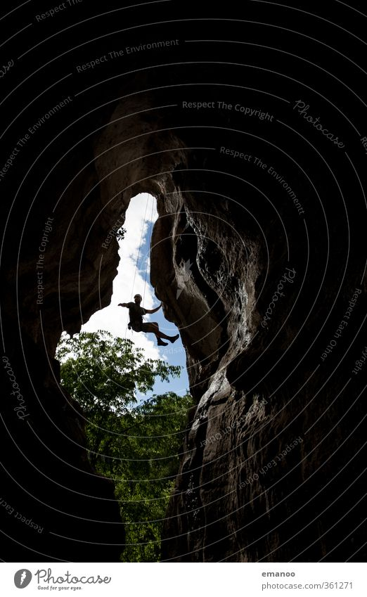 indoor climbing Mensch Natur Mann Ferien & Urlaub & Reisen Landschaft Freude Erwachsene dunkel Berge u. Gebirge Sport Freiheit Felsen Körper Kraft Lifestyle