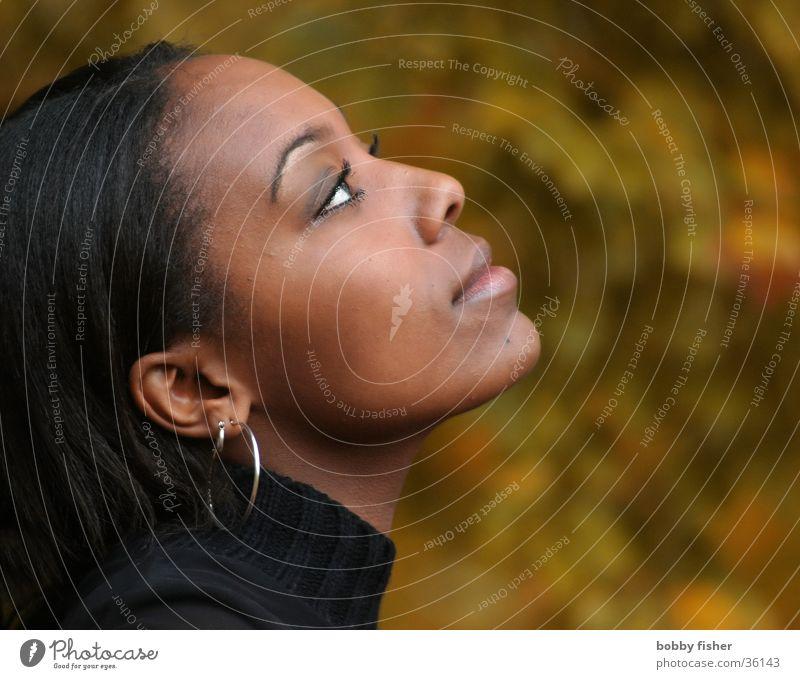 blick 2 Frau Mensch schön Auge Herbst dunkel Denken Mode Haut Romantik Sehnsucht Fragen Porträt