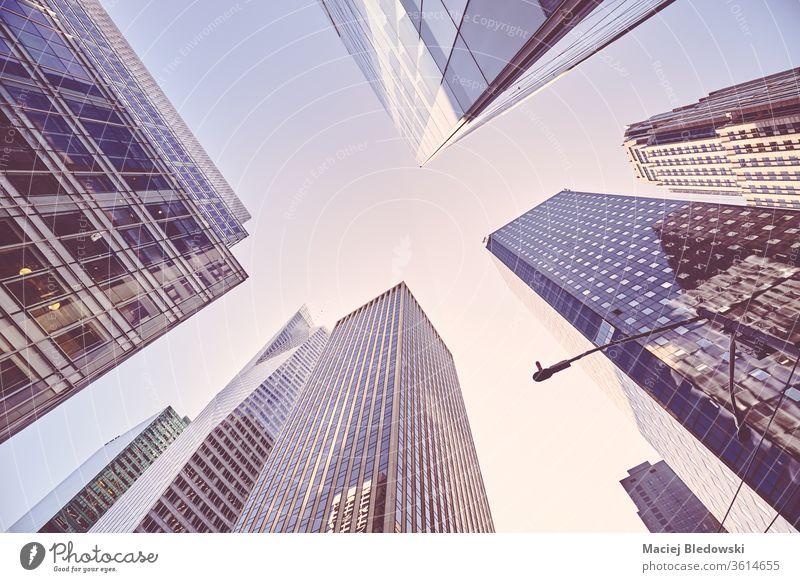 Wolkenkratzer in Manhattan bei Sonnenuntergang, New York. Großstadt New York State Gebäude Business District nachschlagen Stadtbild Architektur Büro modern USA