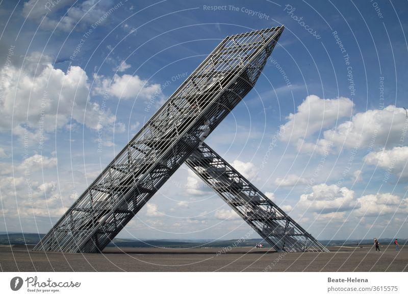 Saarpolygon auf der Halde Duhamel: Symbol für Vergangenheit und Zukunft des Saarlandes Polygon Symbole & Metaphern Geschichte Bergbau Stahlbau Innovation