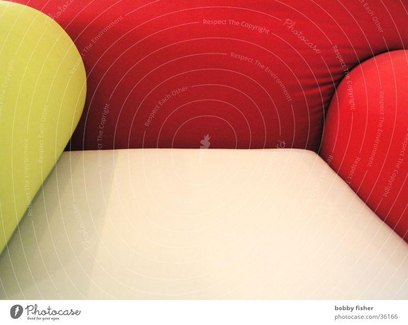 charmin' rot gelb Stil hell sitzen liegen Kultur Häusliches Leben Sofa Sessel