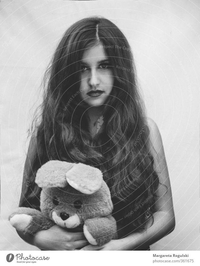 hase elegant Stil Design Haare & Frisuren feminin Junge Frau Jugendliche Mund 1 Mensch 18-30 Jahre Erwachsene Teddybär Stofftiere beobachten Wachstum