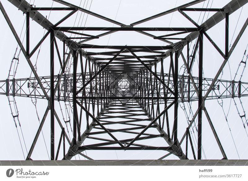Strommast von unten nach oben betrachtet Elektrizität Hochspannungsleitung Leitung Energiewirtschaft Oberleitung Stromtransport Isolierung (Material) Kabel