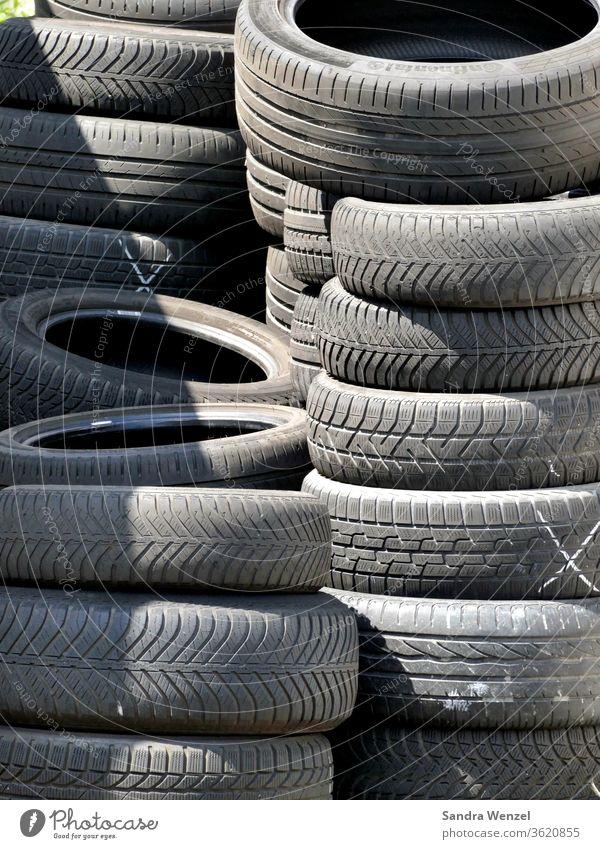 Autoreifen Reifen Winterreifen Sommerreifen Lagerung Einlagerung Werkstatt Reifenwechsel Gummireifen vulkanisieren Altreifen Sondermüll Entsorgung Recycling