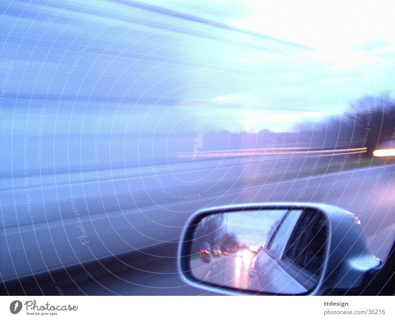 Highspeed Straße Bewegung PKW Verkehr Geschwindigkeit verrückt Spiegel Rennsport Lastwagen Alkoholisiert silber Verkehrsstau Landstraße transferieren Autorennen