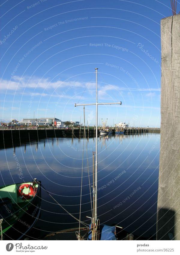 Hafen der Träume II Meer Anlegestelle Stillleben Reflexion & Spiegelung Wasser Natur Woken Bensersiel