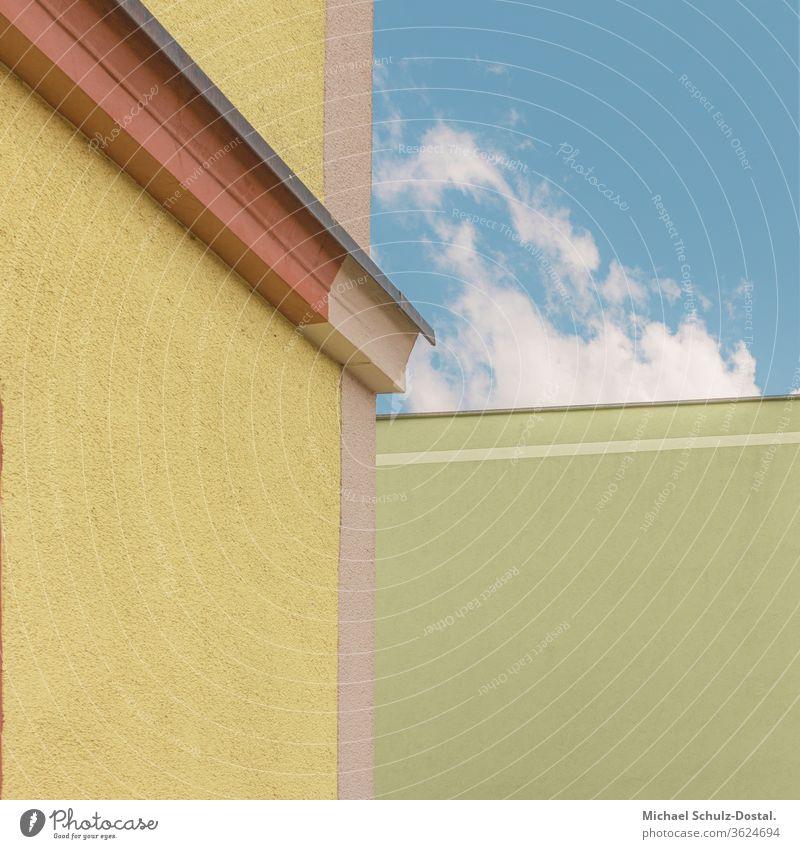 farbige Gebäudekanten Minimal grafisch farben formen Geometrie abstract grafik abstrakt quadrat harmonie architektur linien attika himmel grün gelb rot blau