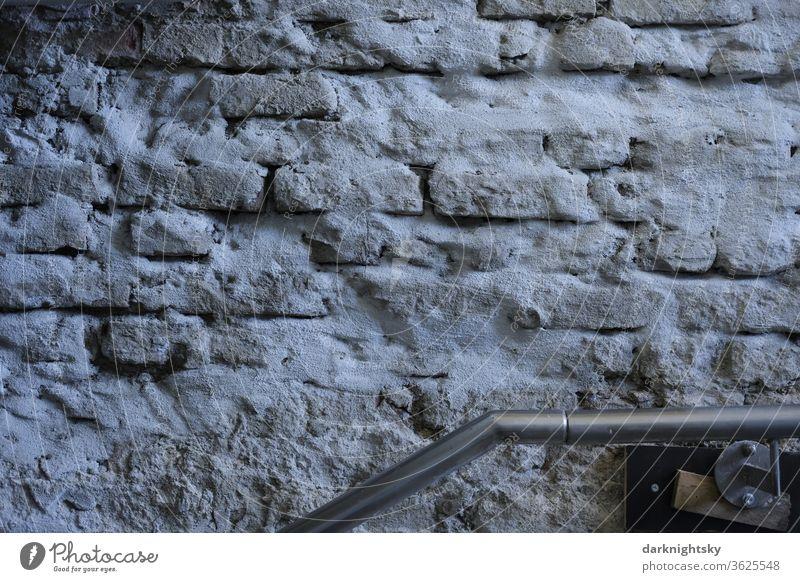 Rohbau Sanierung und Reparatur Treppe Geländer Architektur Bauwerk Handlauf Mauer Mauerwerk Ziegel Steine Spitzbeton Putz sanierputz historische Substanz
