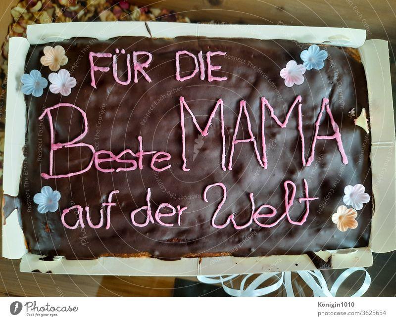 Leckerer Kuchen aus Schokolade zum Muttertag Geschenk Liebe Tochter Sohn Kinder Glück