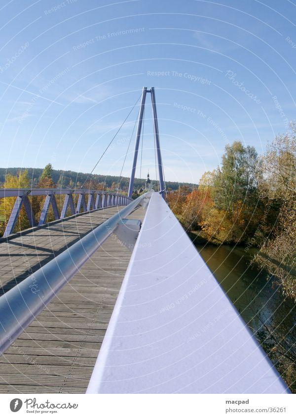 Pink Bridge I Himmel rosa Brücke modern violett Unendlichkeit Neubau Landkreis Forchheim