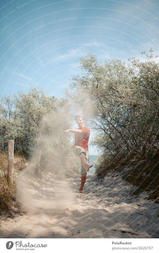 #A# Ostseesand am Fliegen I Urlaubsfoto Mann Freiheit barfuß laufen Barfußstrand erkunden erkundend Wege & Pfade Ostseeurlaub Ostseeinsel ostseeküste